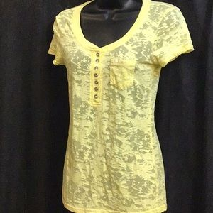 Guess Yellow T-Shirt With Front Pocket Size Medium